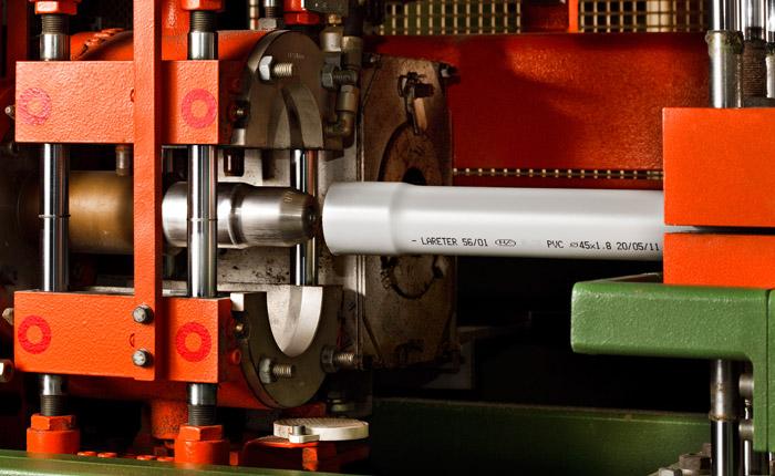 Lareter Spa - Termoformatura del Bicchiere di un Tubo PVC